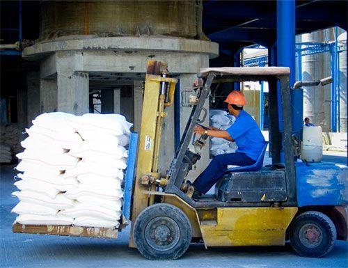 montacargas sometido a seguridad de cadena de suministro
