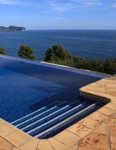 mantenimiento y desinfección de agua de piscinas