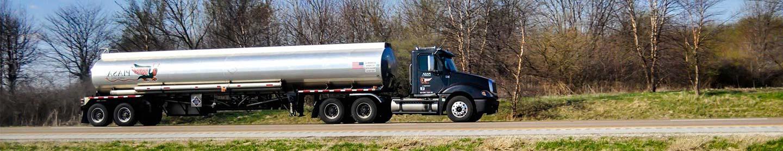 camión cisterna con certificado ADR