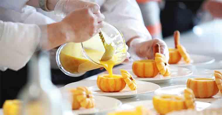 chef trabajando en restaurante sin plagas